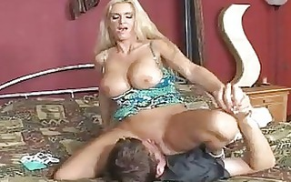 lascivious blonde momma rhyse richardson slips a