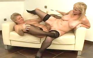its d like to fuck vs gilf in hawt lesbo fucking!