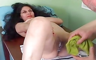 glamorous older latin chick gets her twat hairless