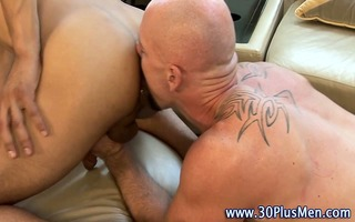 muscly hunk rimmed and rammed