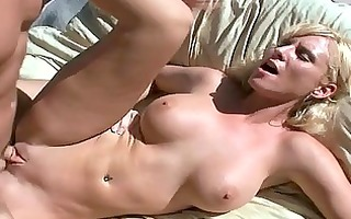 hot mother i is getting her booty worshipped by