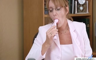 breasty housewife kitchen & office solo