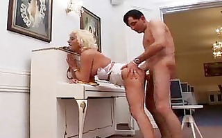 breasty mamma likes unfathomable anal sex