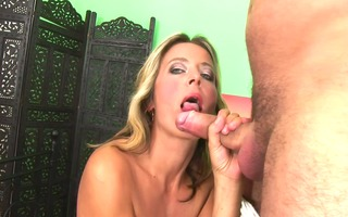 euro d like to fuck receives a load -
