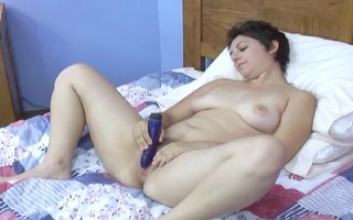 cute short haired mother i plays with a toy
