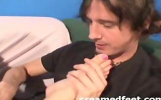 alexis shows her cute feet