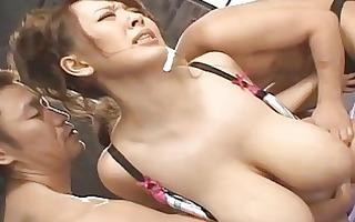 breasty oriental pornstar hitomi tanaka sucks and