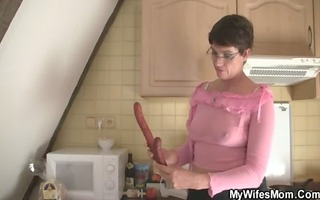 jock hungry doxy seduces her son in law