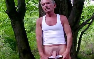 older attractive chap goes for a quickie outdoors