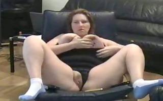 chubby mom rubs her putt on tape