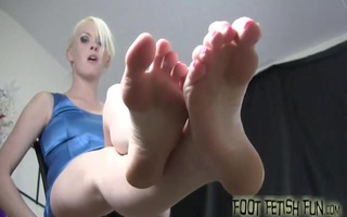 our feet hurt can massage them for us