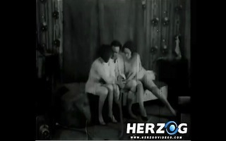 fortunate guys screwing sexy ladies in trio