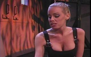 smoking hawt babes into bondage & foot fetish