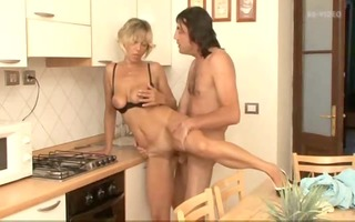 mommy kitchen fuck