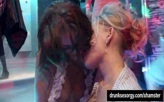party lesbos licking twats in sex fuckfest