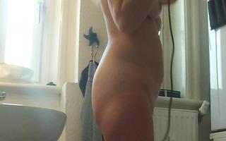 spycam on mature gf in bath with fine tits, arse
