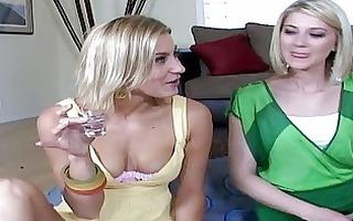 2 hawt lesbos acquire a lezz party