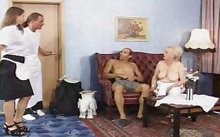 older - german stylish grannies im auto vernascht