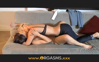 orgasms lesbo woman enjoys younger blond