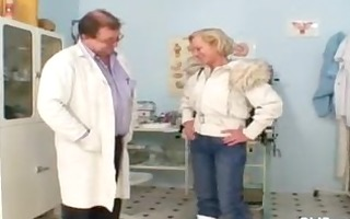 blonde granny multiple squirting during a gyno