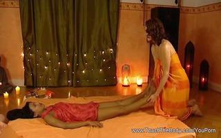 tantric lesbo massage