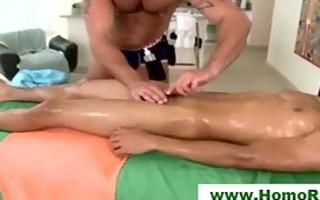 str lad sucked on massage table