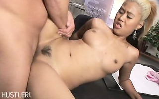 oriental beauty drilled in the office