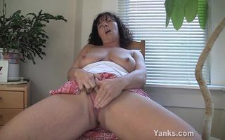 lynn, the mamma with super astounding milk sacks