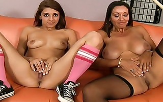 breasty mamma teaching her daughter how to engulf