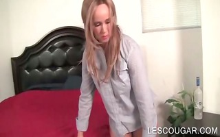 lesbo breasty mama passionately giving a kiss a
