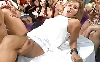 cute girl acquires her pussy licked
