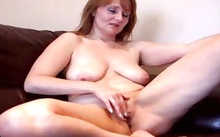 old dilettante milf working her wet crack