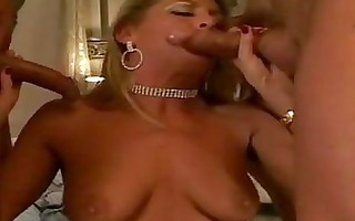 blond d like to fuck with natural bumpers in