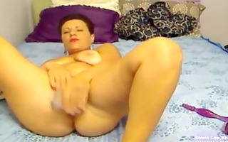 aged aminna masturbates her excited old holes
