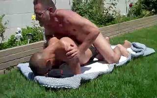 dad fcks chap outside