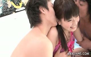 oriental slut widens her shaggy love tunnel wide