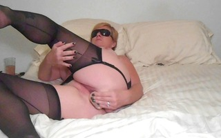 d like to fuck shari in nylons