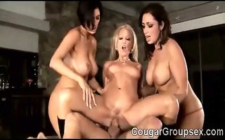 6 large stacked moms enjoy a fortunate youthful