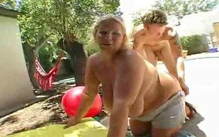 large breasts and bouncing abdomen