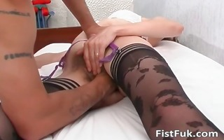 older whore gets her unshaved pussy