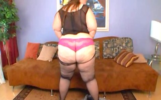 bbw veronica bottoms wearing hot outfit gettin it