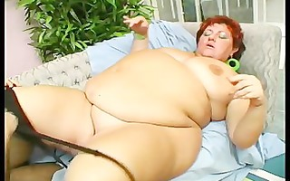 big beautiful woman receives fingered and fucked