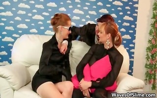 redhead engulfing her girlfriend her large