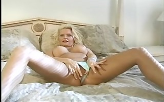 aged blonde playgirl fingers and tastes her