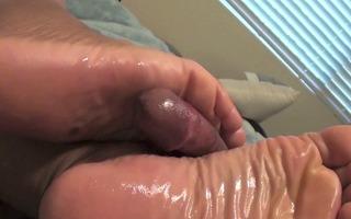 pinkys wide wrinkly milking!